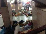 А вот так Индусы ждут своего поезда на вокзале